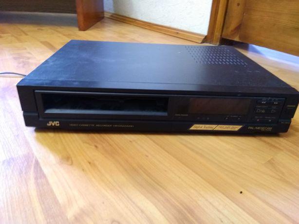 Продам видеомшагнитофон JVC + кассеты