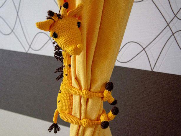 Подхват для штор в детскую, вязаная игрушка Жираф