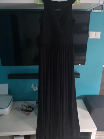 Piekna czarna sukienka