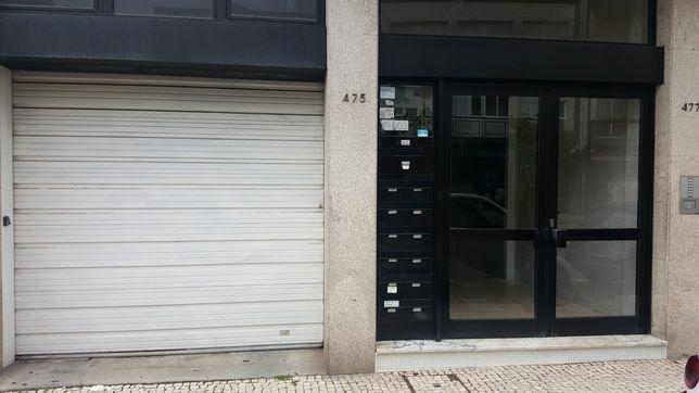 Apartamento para alugar T2+1 - Centro do Porto