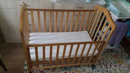 Кроватка детская, НАТУРАЛЬНОЕ дерево. Идеальное состояние.