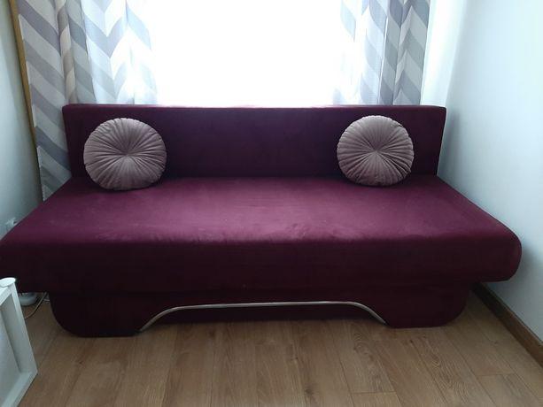 Kanapa sofa z funkcja spania fioletowa śliwkowa