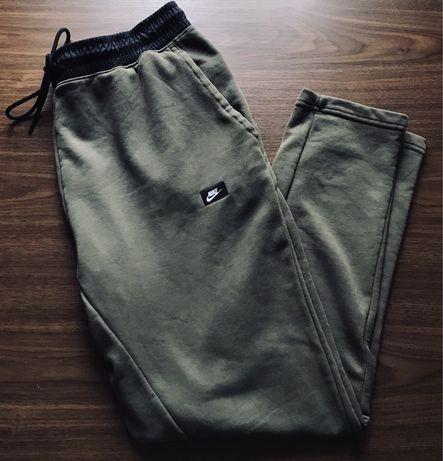 Спортивные штаны nike modern tech fleece nsw