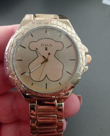 Piękny zegarek damski, złoty,stal szlachetna