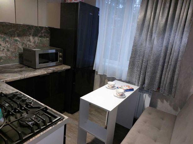Продам 2-х комнатную квартиру метро Дворец Спорта