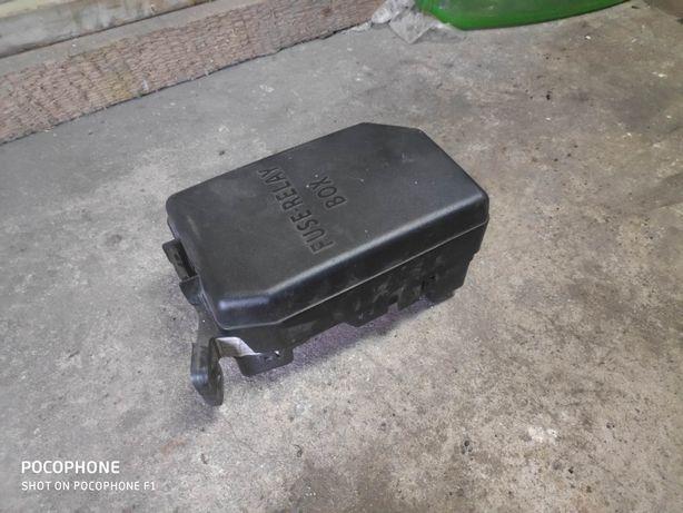 Skrzynka bezpieczników kia Rio 1,4 benzyna