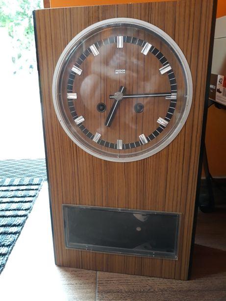 Zegar PRL Metron