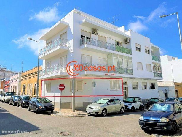 Apartamento T1 com arrecadação no centro de Faro