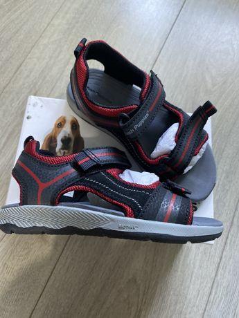 Новые сандали, босоножки на мальчика