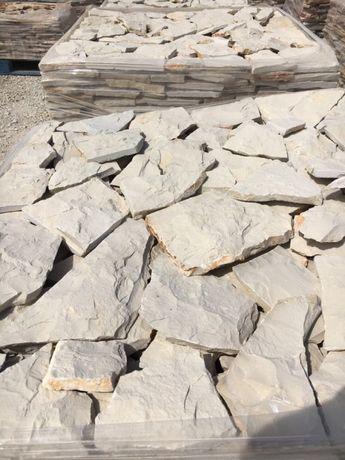 Pedra rustica Escacilhada cinza vidraço