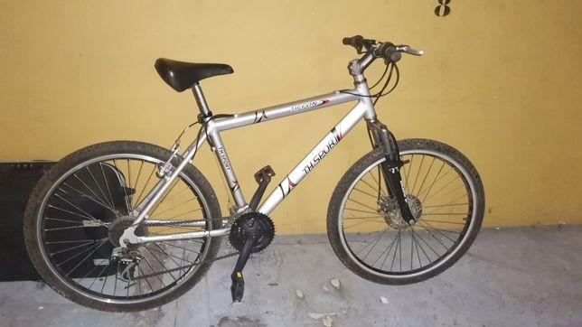 Vendo bicicleta com travao de disco e amortecedor