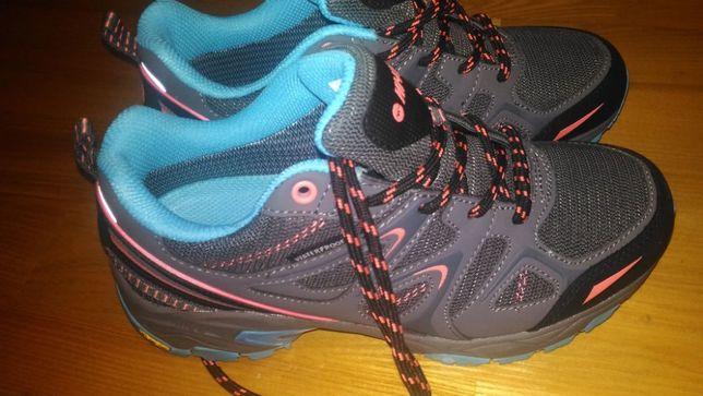 Nowe buty trekkingowe damskie