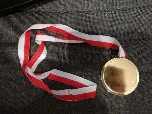 medal, nagroda, statuetka, wyróżnienie, podziękowanie