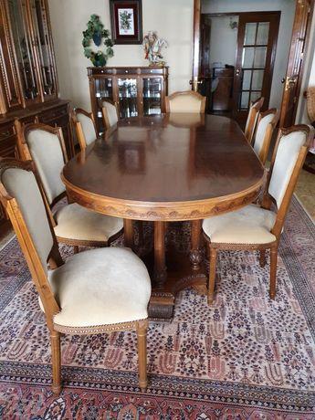 Mesa extensivel e 8 cadeiras