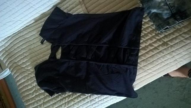 bluzka granatowa z tylu wycieta w paski
