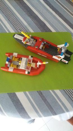 Lego vários barcos