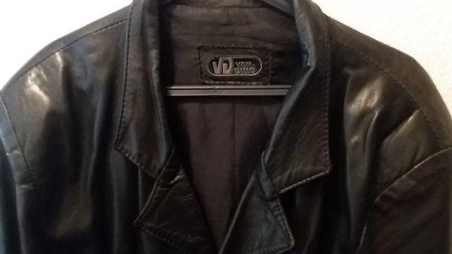 Casaco cabedal / couro Verdino - preto - tamanho M/L- 30€