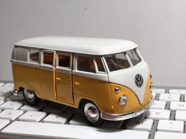 Volkswagen ogórek Microbus 1962 WELLY transporter autko