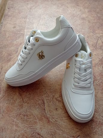 Новые кроссовки Siksilk