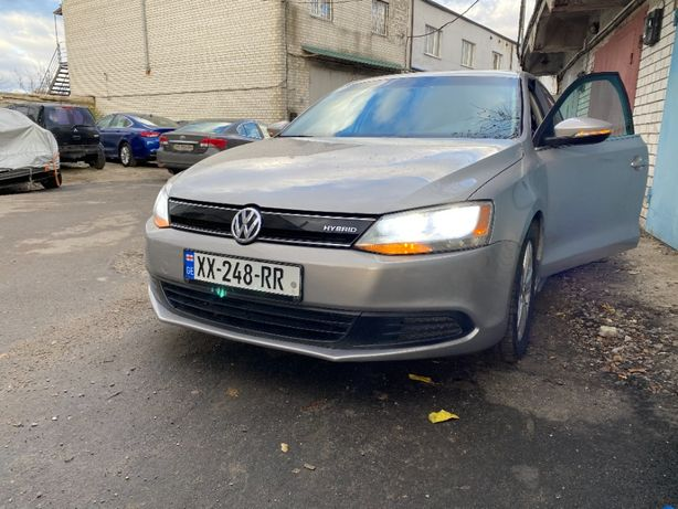 VW Jetta Hybrid на запчасти