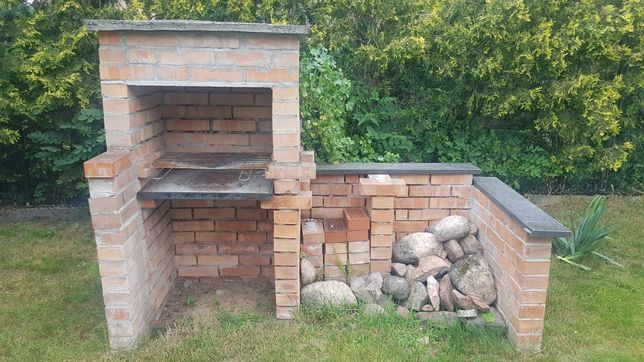 murowany grill cegły ruszt