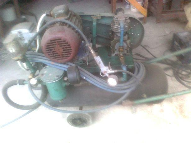 sprężarka powietrza, komplet razem z silnikiem 3 faz.
