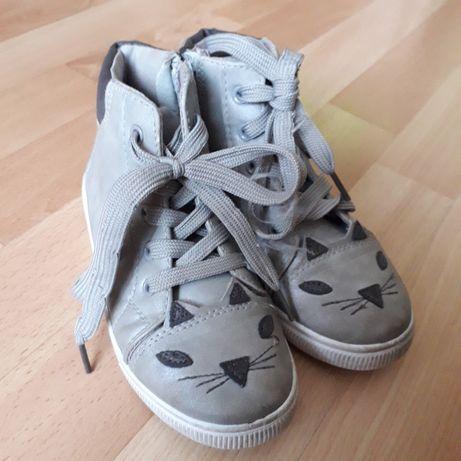 Buty przejściowe 30