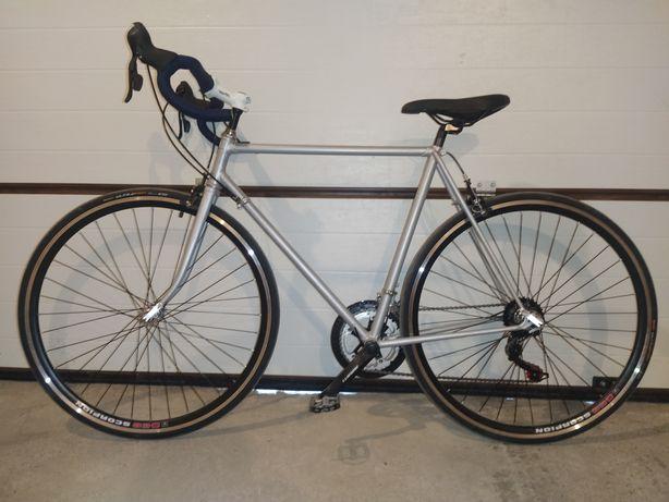 Шоссейный велосипед на базе рамы ХВЗ Старт-шоссе