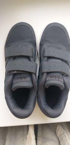 Фирменные кроссовки( пересылка моя)