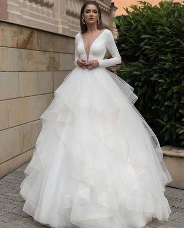 Продам шикарнейшее свадебное платье!Торга, аренды нет!Олх дост.не отпр