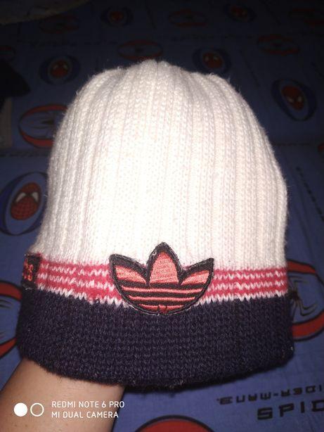 Продам зимнюю шапку Adidas