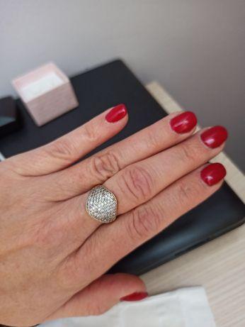 Złoty pierścionek r.17