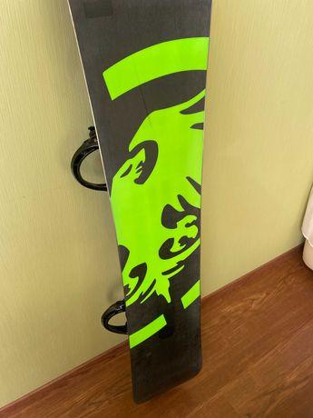 Сноуборд Neversummer + крепы Rome SDS + боты Burtun + маска Dragon