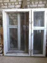 Окна деревянные, застекленные, разных размеров.