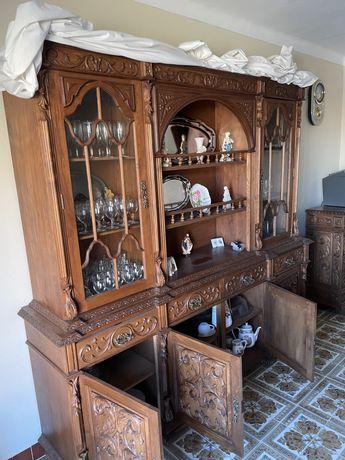 Mobilia de sala em madeira