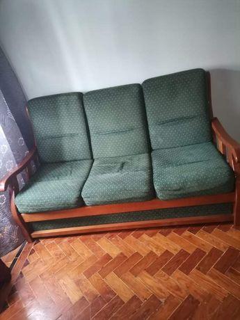 Conjunto sofá e 2 poltronas e mesa de centro