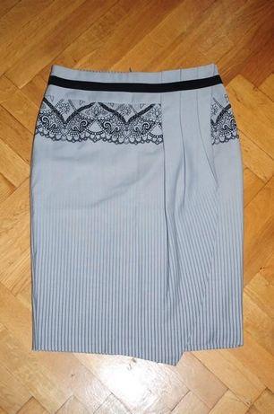 NOWA elegancka spódnica z rozcięciem M