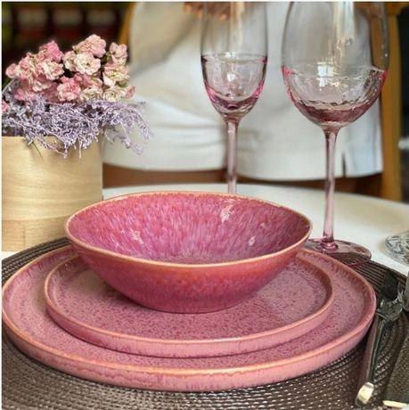 Посуда из керамики: тарелки 21 и 27 см, чашка 400 мл, пиала 17 см