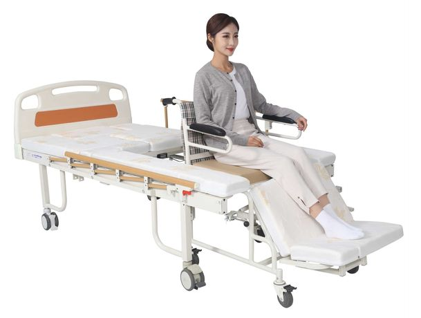 Медицинская кровать с туалетом и встроенным креслом W02. Для инвалида.