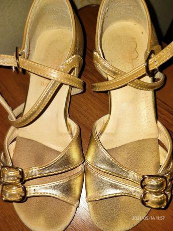 Бальные туфли фирмы Club Dance,ст.20.3 см