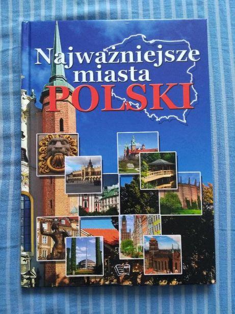3 Książki z kategorii Zabytki Miasta Natura i Architektura.