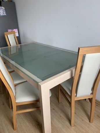 Stół szklany do jadalni z krzesłami Agata Meble