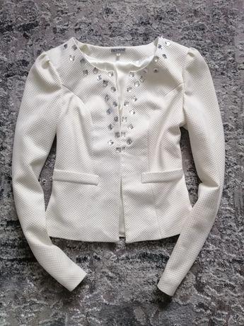 Білий піджак блейзер піджачок розмір М-С 42-44
