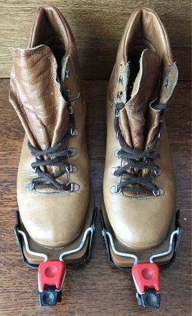 Ботинки лыжные с креплением