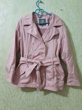 Курточка пальто пиджак нежно розового цвета