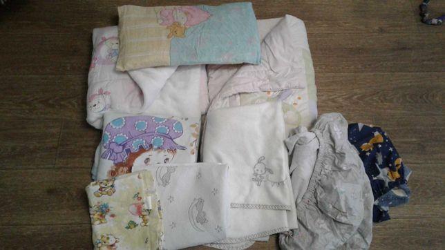 Набор постельного белья  (олеяла, подушка, простыни,  для малышей