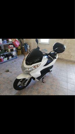 Honda pcx 125 com poucos quilometros
