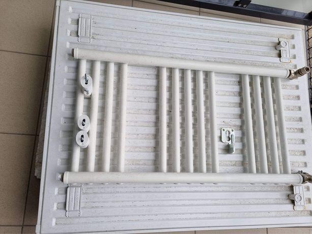 Nowe grzejniki z mieszkania deweloperskiego (2szt + termostaty)