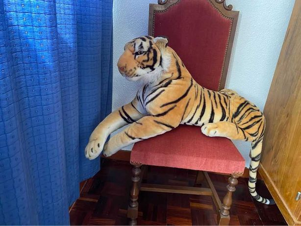Leão  peluche  92 cm largura