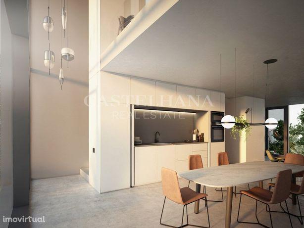 Loft duplex com 86 m2 e jardim situado em Marvila